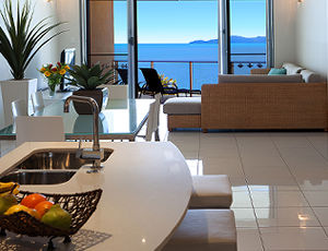 1 Bedroom Vue Trinity Beach Luxury Apartment