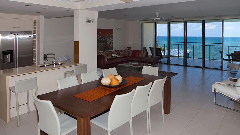 Trinity Beach Luxury Apartments - Vue Trinity Beach Cairns