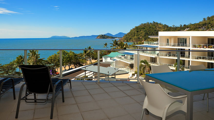 Stunning Coral Sea Views Vue Trinity Beach Cairns Luxury Apartments