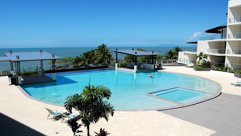 Infinity Pool Vue Trinity Beach Cairns Luxury Apartments